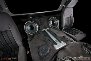 Hummer h1 interior flat white hummer h1 with full suede in flickr - Idee deco huisbar ...