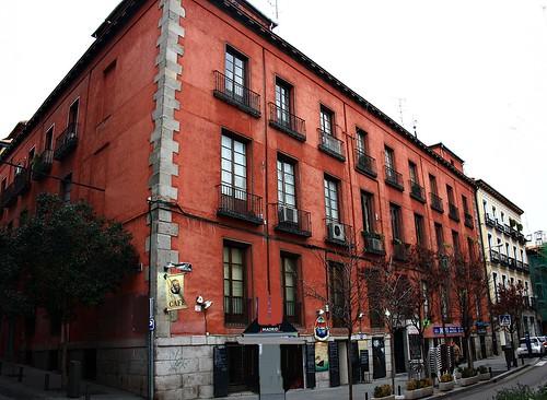 Casa de la plaza tirso de molina y calle magdalena madrid for Casa granada tirso de molina