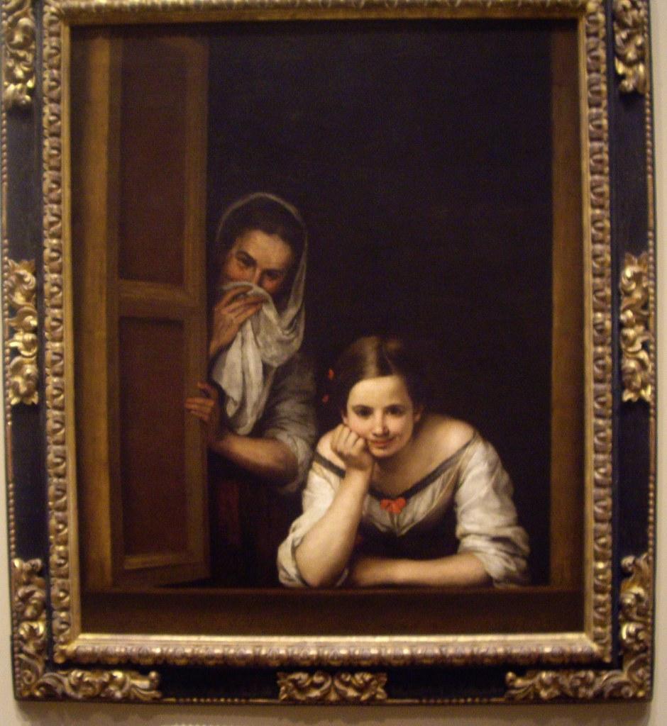 Две женщины залезли в окно фото 100-154