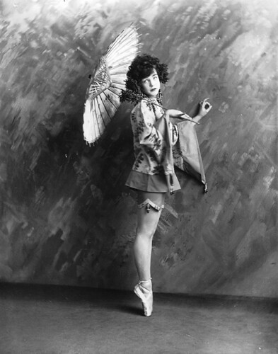 Miss Finney dancing, Montreal, QC, 1923 | by Musée McCord Museum