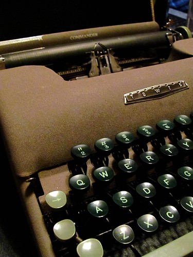 Vintage Typewriter | by ColiesPlace