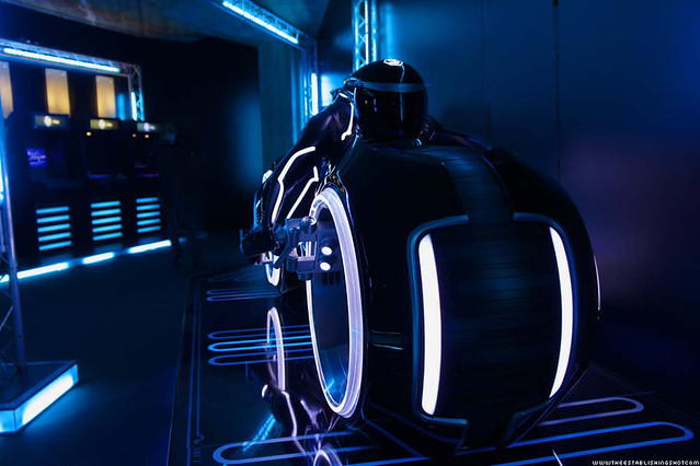 The Establishing Shot: TRON: LEGACY EXPERIENCE - Tron Light Cycle - London Southbank