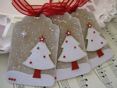 Glittery Christmas Tree Tags | by vsroses.com