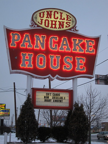 Uncle John's Pancake House, Toledo, OH | by DEMcSee