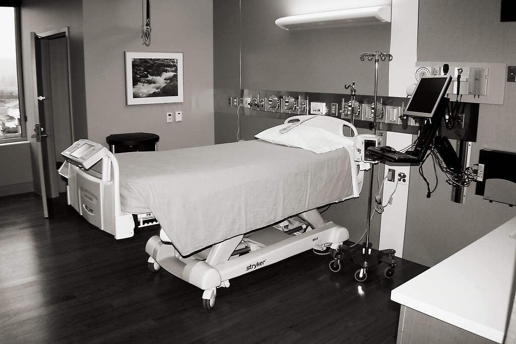 CCU room   This is the critical care unit room. The picture …   Flickr