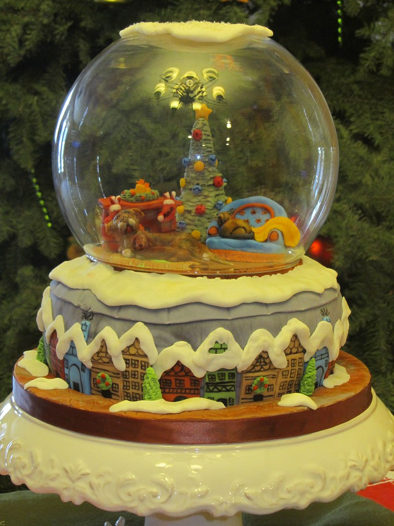 Christmas snow globe cake im so proud of this cake if on flickr christmas snow globe cake by briefcakes gumiabroncs Choice Image