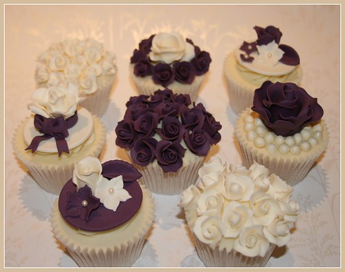 wedding cake cupcake pan wedding show cupcakes all vanilla cupcakes flickr 8603
