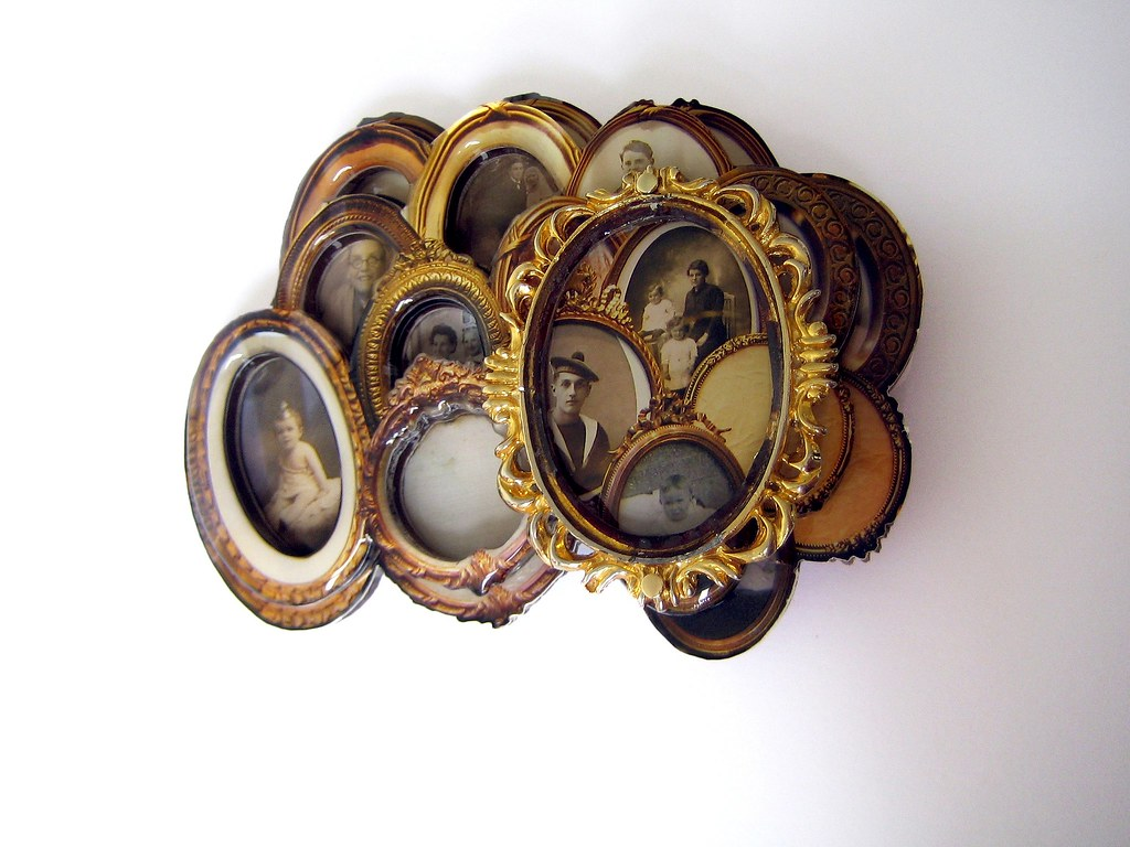 03-\'Family\' Collection Gilded Frames from Paris by Iris Ni… | Flickr