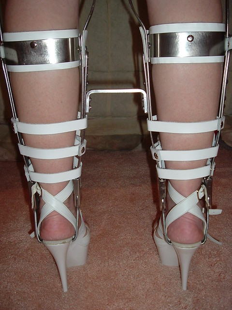 Rear Of Sandals…Flickr Straps High With And Braces Heeled Closeup bYfmgyI7v6