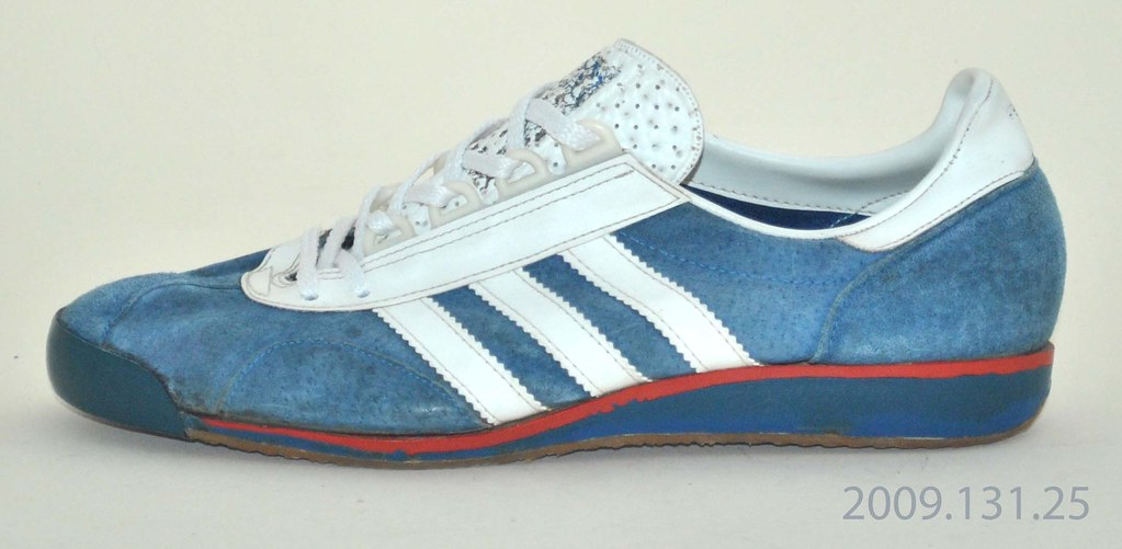 huge discount a898e d4cd7 adidas sl 76 Sale   Up to OFF44% Discounts