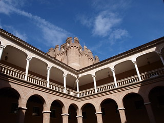 Patio del Castillo de Coca | by rammbob