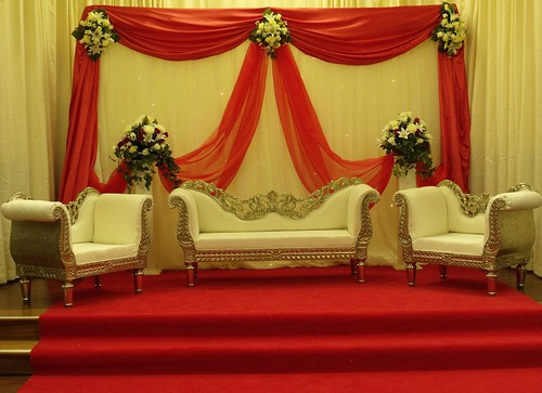 Asian wedding stage decorations bristol asian wedding for Asian wedding stage decoration birmingham