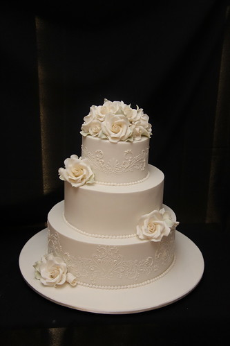 bakeries for wedding cakes luisa s wedding cake 3 tier chocolate mudcake 11022