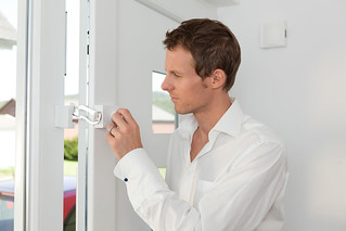 abus t r zusatzschloss mit sperrb gel abus t r. Black Bedroom Furniture Sets. Home Design Ideas