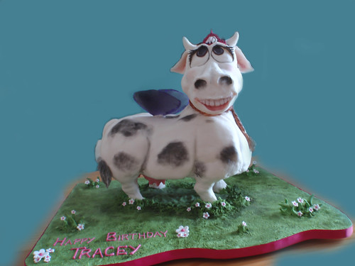 Art By Cow Cake : cow cake I was asked to make a cow cake with a pink ...