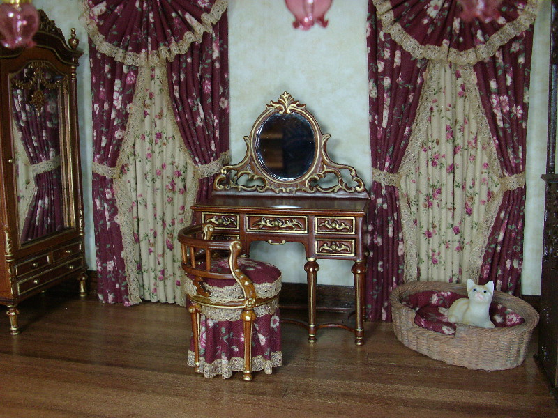 Charmant ... Victorian Bedroom Vanity And Dressed Chair, Dollhouse Miniatures By  Debu0027s Mini | By Debsminis