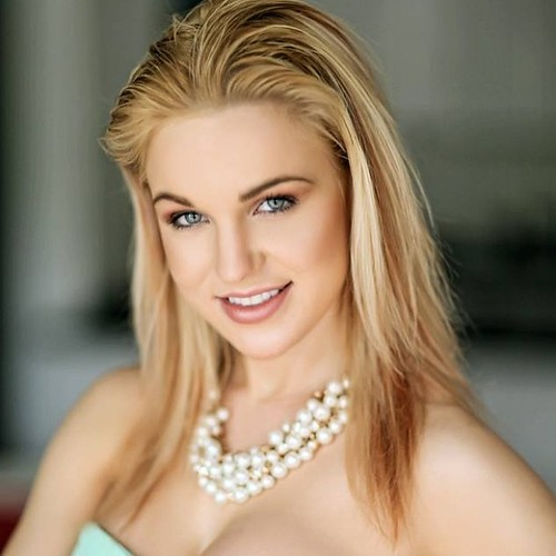 Blond models picture 10