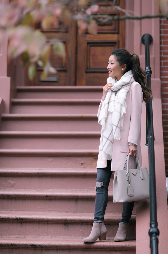 fall outfit pink jacket gray booties cream blanket scarf