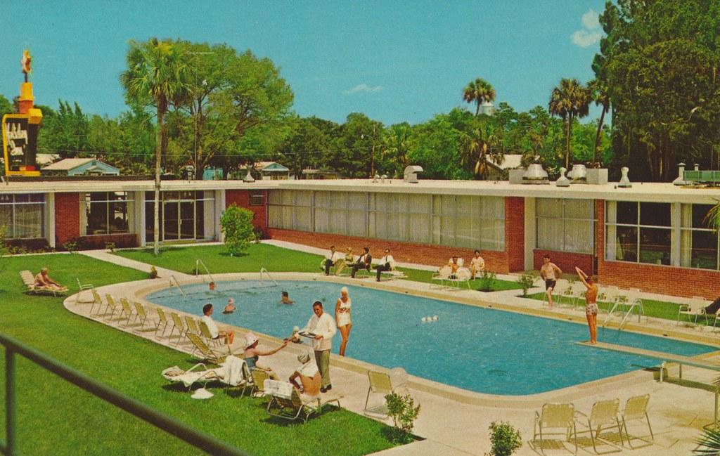 Holiday Inn - Daytona Beach, Florida