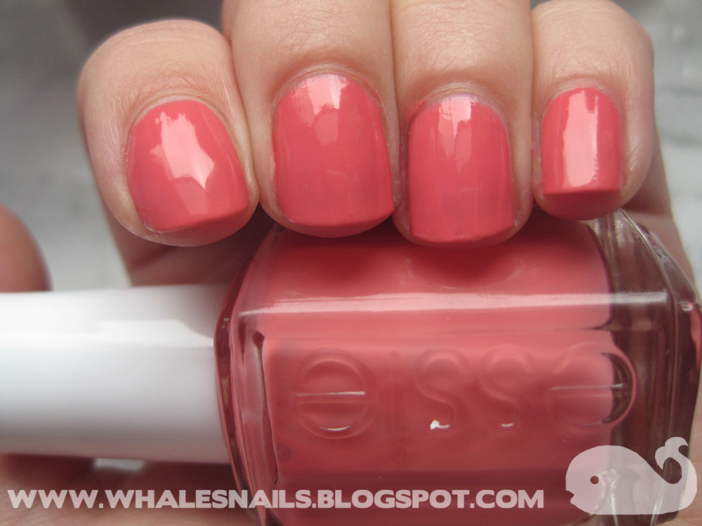 Carousel Coral, Essie | www.whalesnails.blogspot.com | Flickr