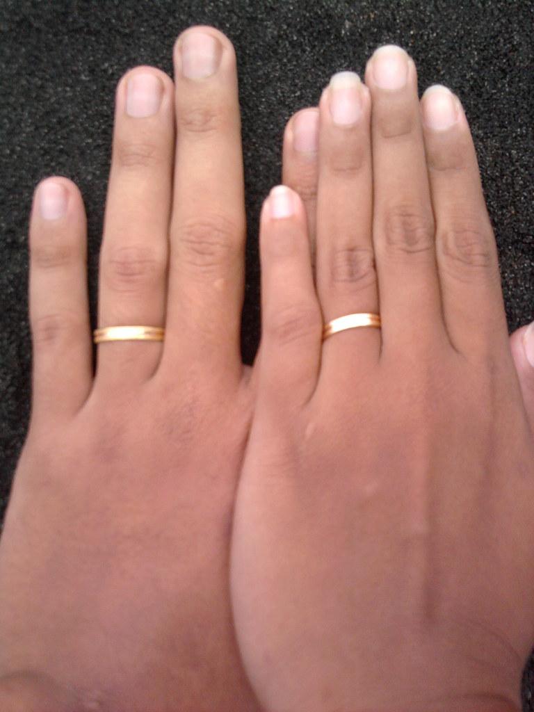 Foto Tangan Cincin Tunangan Inspirasi Pernikahan