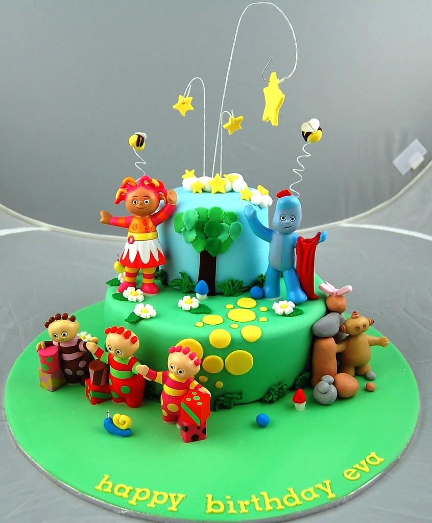 Night Garden Cake | plastic figurines with fondant decoratio ...