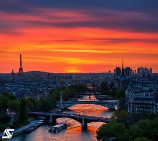 Paris sunset notre dame tour eiffel et la d fense par flickr for Photographe la defense