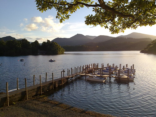 Derwent Water in the evening sunlight | by walkinguphills