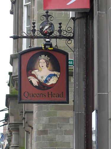 pub sign queens head high street hawick 110220 flickr. Black Bedroom Furniture Sets. Home Design Ideas