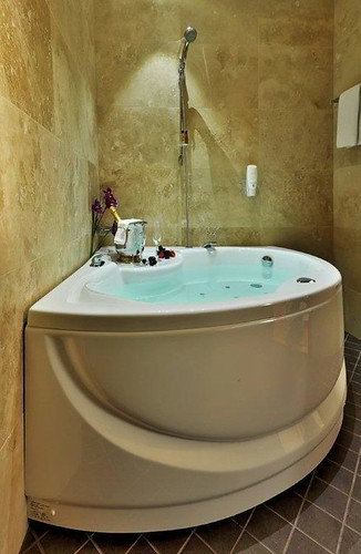 Hotels With Jacuzzi In Room In Enfield Ct