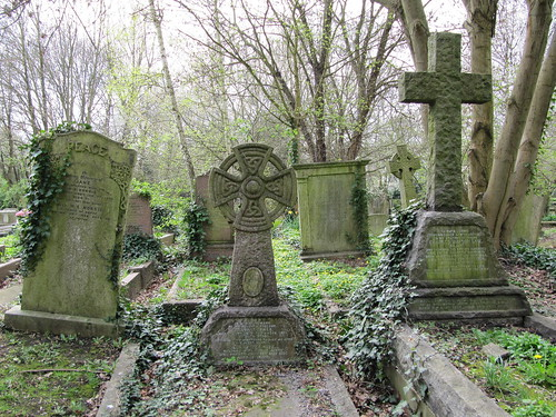 Highgate Cemetery | by loretahur
