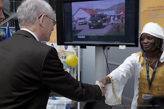 President Van Rompuy shakes hands with a participant of the Council Open Day | by Herman Van Rompuy