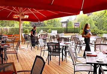 Horeca terras tafels stoelen horeca te koop horecamakelaar for Horeca tafels en stoelen te koop