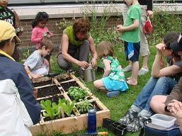 planting_blossom_garden