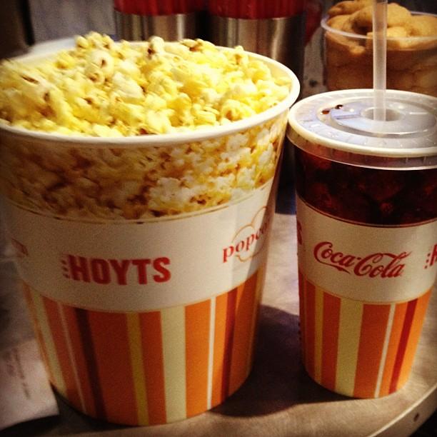 Coke and popcorn com