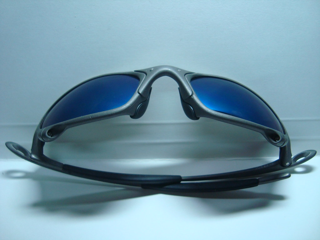 0adacbd2af ... Oakley Juliet - X-Metal Frame with rare Blue Iridium Lens (serialized)