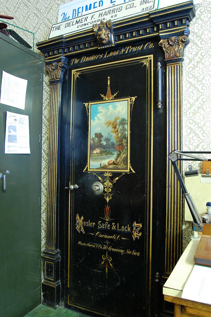 ... Bankers Loan and Trust Company Bank Vault Door | by radargeek - Bankers Loan And Trust Company Bank Vault Door The Back Do… Flickr