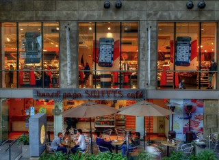 Hollywood Highland Center HDR | by Krazy Diamnd