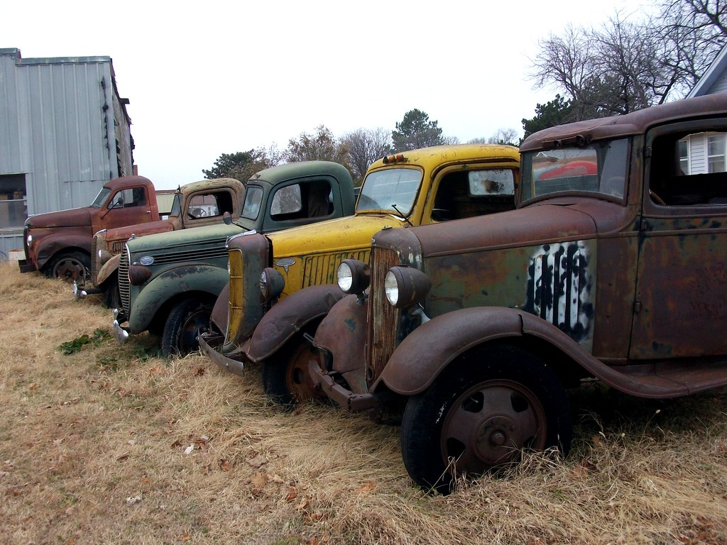 Rusty old trucks | Row of rusty trucks. How many can you id?… | Flickr