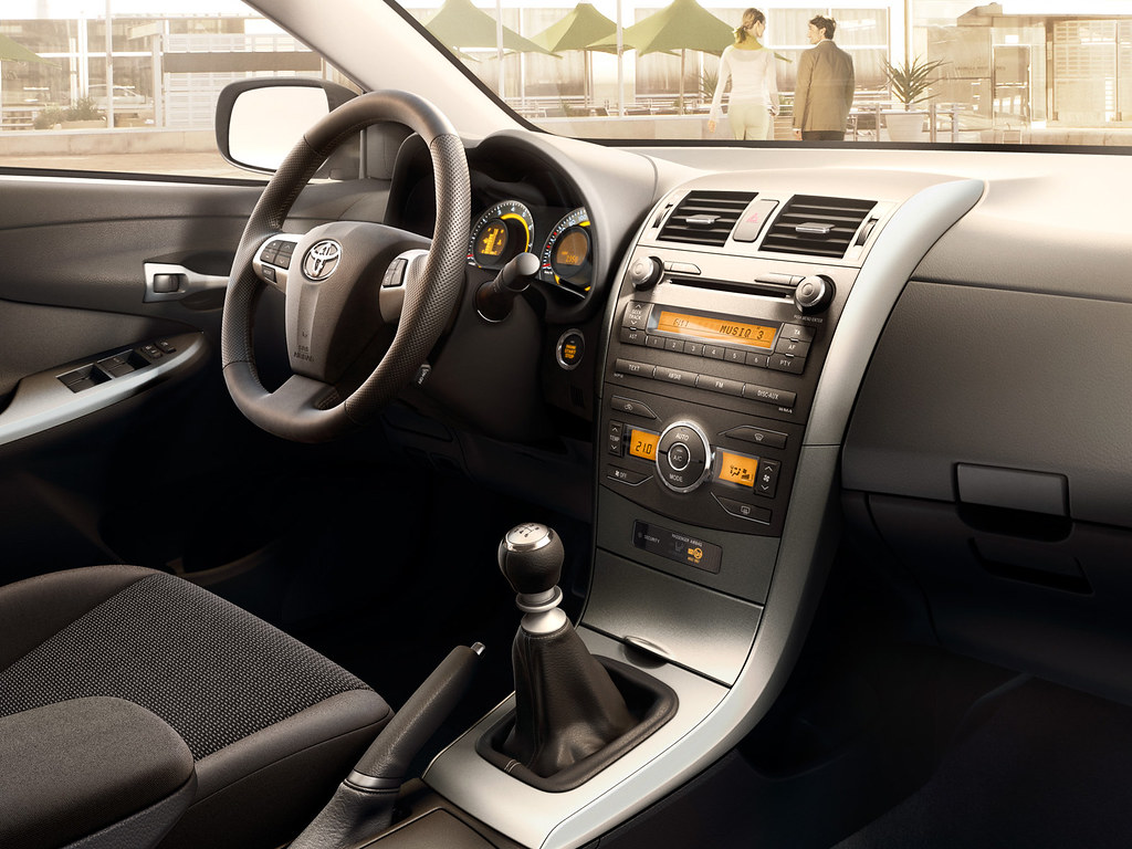 Interior Design : 2010 Toyota Corolla Interior Design Decorating ...
