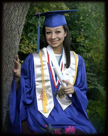Outdoor Senior in Cap and Gown | Senior Pictures by Richard\'… | Flickr