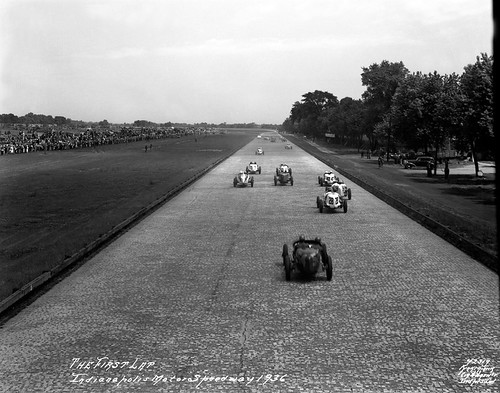 1936 indy 500 pace lap photo of the 1936 pace lap for Indianapolis motor speedway com