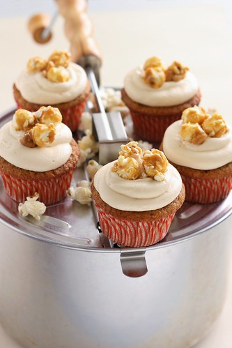 Caramel Popcorn Cupcakes | by Xiaolu // 6 Bittersweets