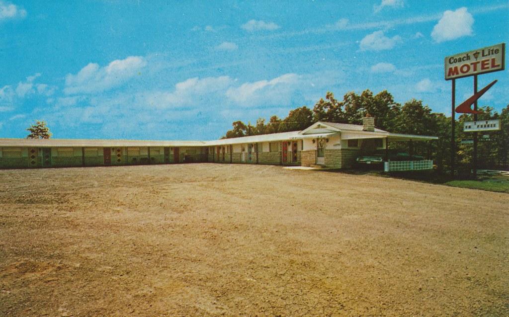 Coach Lite Motel - Poplar Bluff, Missouri