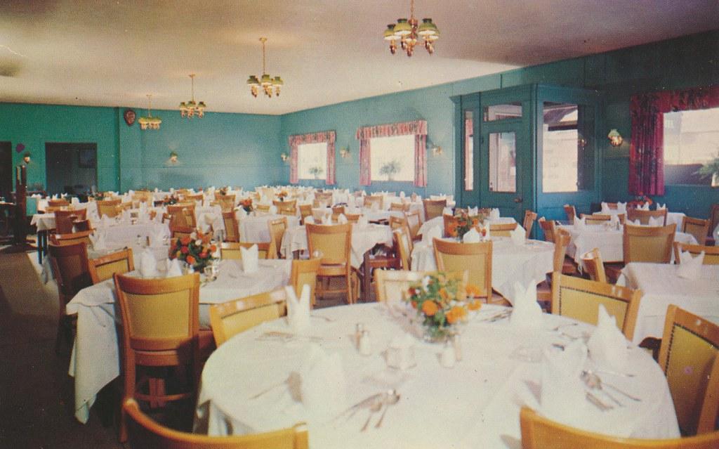 Mitchell's Restaurant, Hotel and Fishing Piers - Greenport, Long Island, New York