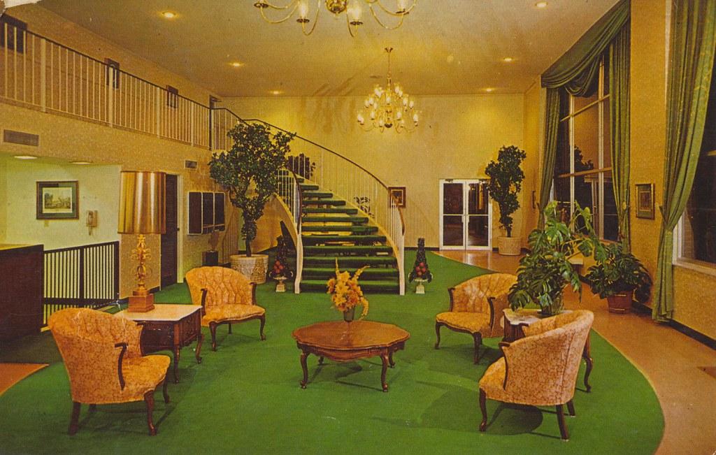 Memphis East Ramada Inn - Memphis, Tennessee