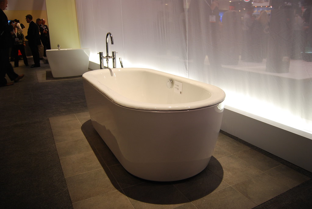 ... KBIS 2011   TOTO Bathtub | By Charles U0026 Hudson
