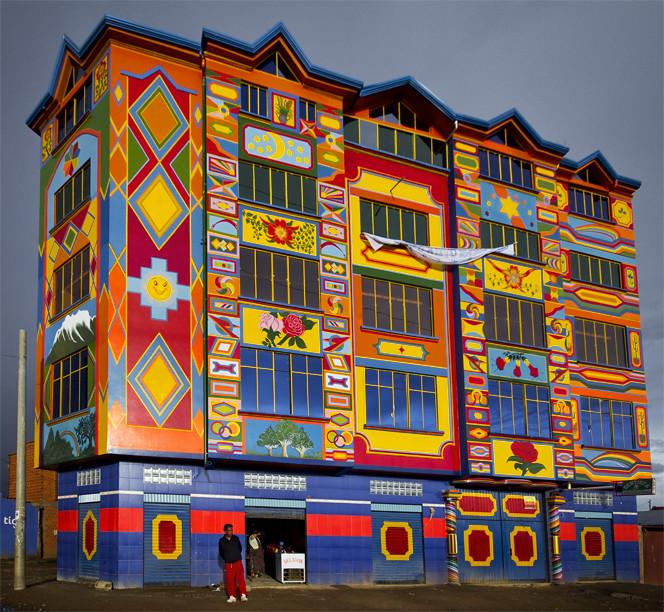 Как один талантливый художник и архитектор-самоучка подарил новую жизнь бедному городу