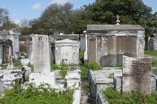 Lafayette Cemetery No.1 | Conveniently located in the ...