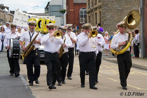 Horwich Carnival 2011 - Red Rose Marching Band | by ianfitter